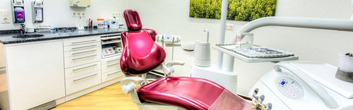 Zahnarztpraxis-Ciecior-Brühl-Zahnarzt-Behandlungszimmer-3